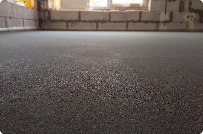 Цементно-песчаная стяжка.
