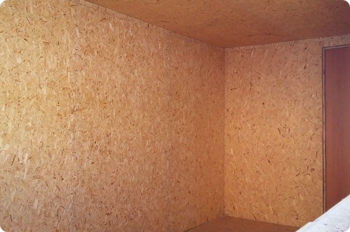 Стены, утеплённые пробкой.