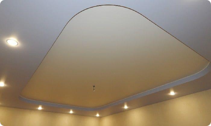 Двухуровневый сатиновый натяжной потолок.