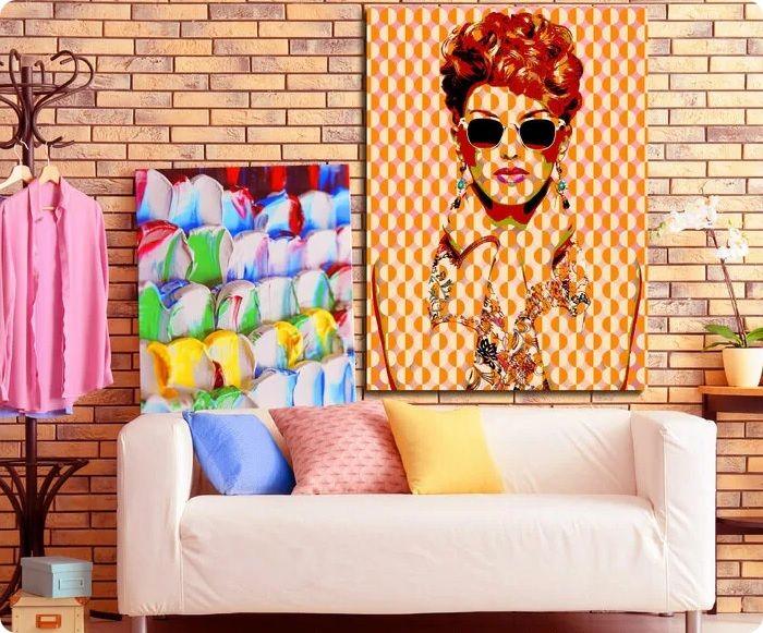 В стиле поп-арт господствуют нотки эпатажности, контраста, непринятия обыденности, поэтому кирпичная стена может стать одним из ключевых элементов дизайна.