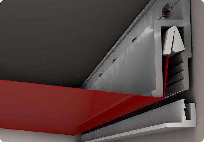 Гарпунный способ фиксации натяжного потолка.