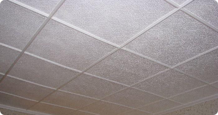 Плитка потолочная из пенопласта.