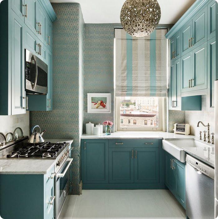 Кухня в голубых тонах.