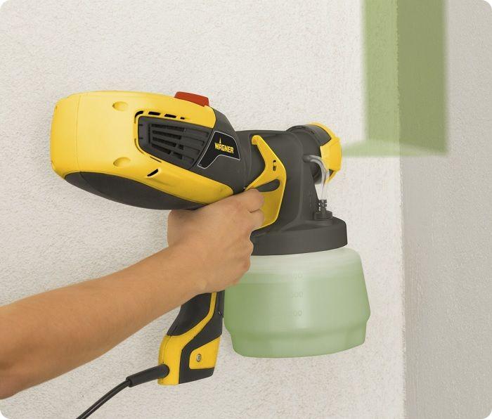 Пульверизатор используют для окрашивания объёмных элементов за короткое время. Распылитель укладывает ЛКМ тонким слоем.