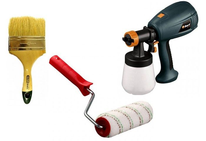 Укладка лакокрасочных материалов допустима разным инструментом. Его выбирают с учётом свойства ЛКМ и типа обрабатываемой поверхности.