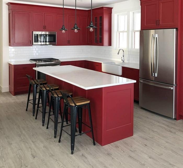 Матовый цвет — традиция, проверенная временем. Он используется на кухнях стилей лофт, прованс, классика.