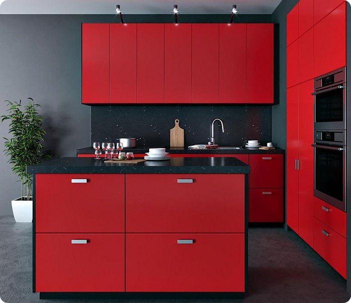 Красный кухонный гарнитур.