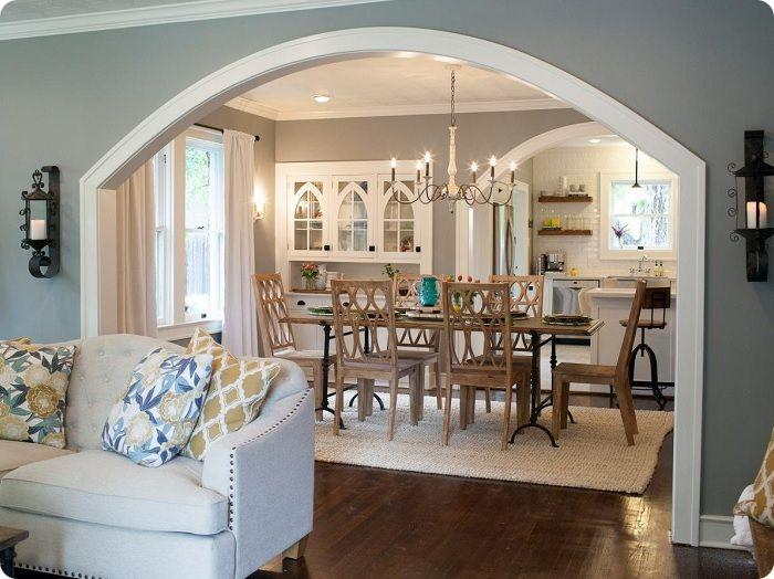 Зонирование аркой на кухне-гостиной.