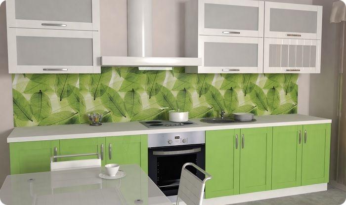 Фартук может содержать изображения цветов, фруктов, растений.
