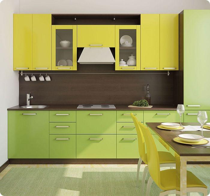 Сочетание жёлтого с зелёным. Выглядит органично, так как часто встречается в природной среде.
