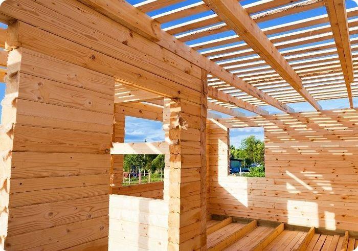 Строительство дома из профилированного бруса.