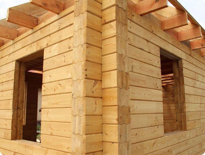 Строительство дома из клеёного профилированного бруса.