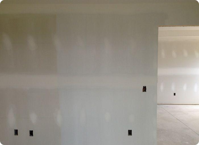 Прогрунтованные стены из гипсокартона