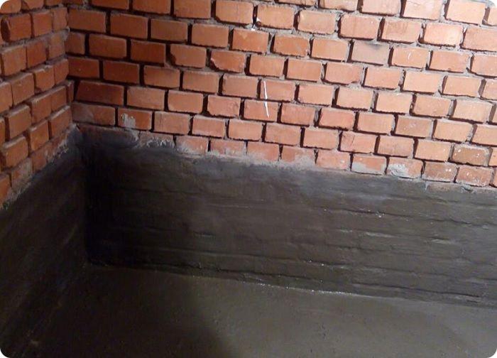Жидкая гидроизоляция стен в подвале.