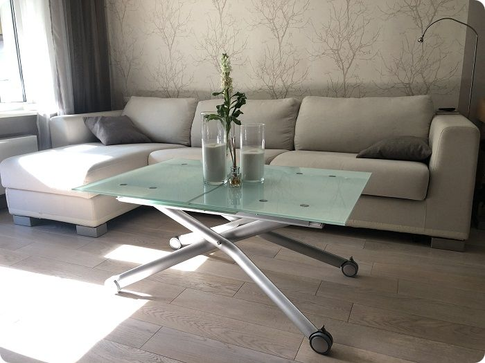 Раскладной стол для гостиной.