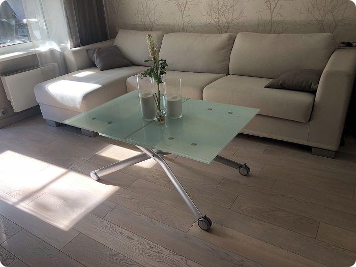 Раскладной стол для гостиной — лучший вариант.
