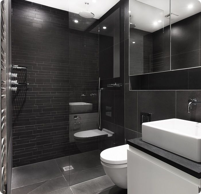 Ванная комната в чёрных тонах.
