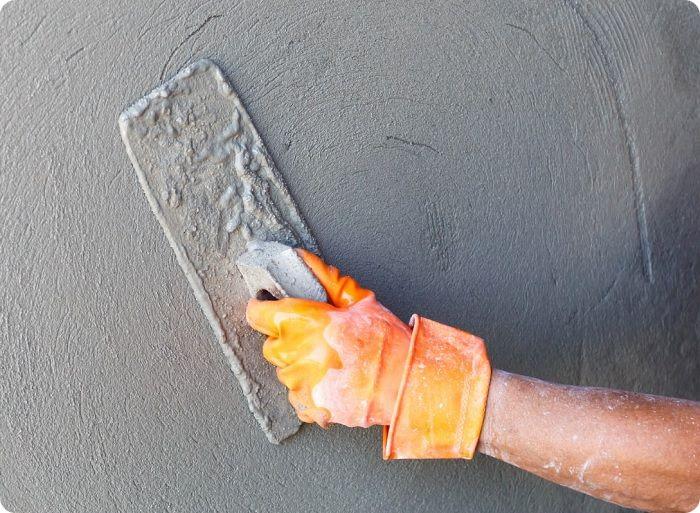 Затирка цементной штукатурки.