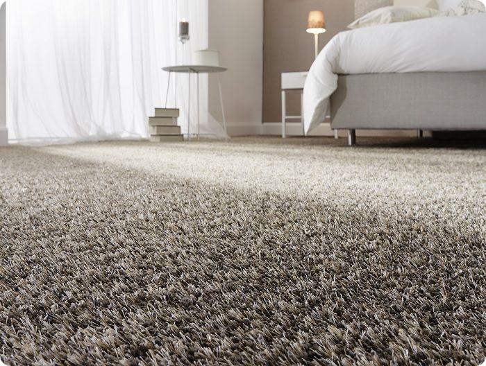 Для детской комнаты, спальни и гостиной лучше использовать ковровый материал – сразу возникает чувство мягкости и уюта.