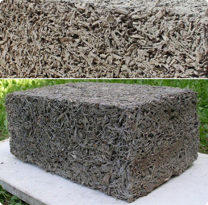 Опилкобетон состоит из известково-цементной массы и опилочно-песочной смеси.