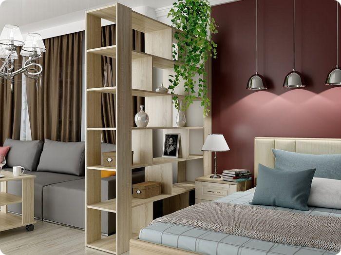 Стена цвета спелой сливы в интерьере спальни.