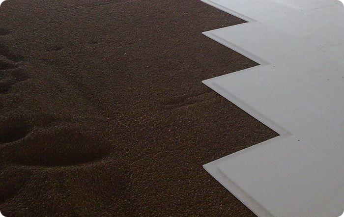 Керамзитовая стяжка пола чаще используется в старых домах и помещениях с деревянными перекрытиями.